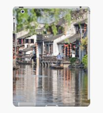 Cleaning the Canal iPad Case/Skin