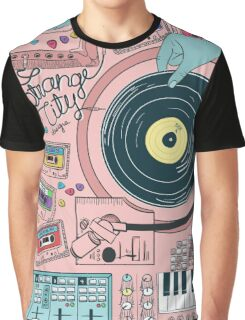 Strange City T-shirt Graphique