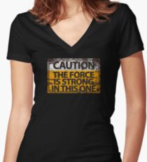 Vorsicht: Die Macht ist stark in diesem Tailliertes T-Shirt mit V-Ausschnitt