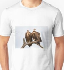 Vulture Couple Watching Out for a Meal 2 - Krüger National Park Unisex T-Shirt