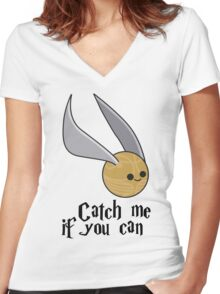 Catch me if you can! Women's Fitted V-Neck T-Shirt