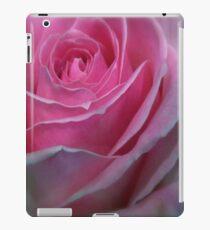 BUBBLEGUM PINK ROSE iPad Case/Skin