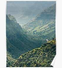 Between the mountains of Ethiopia Poster