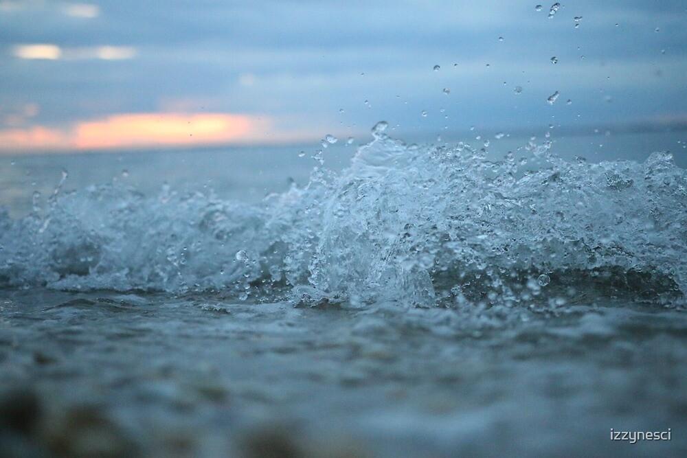 Ocean by izzynesci