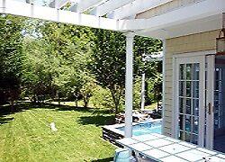 Cheap Hamptons rentals by Loris Yamauchi