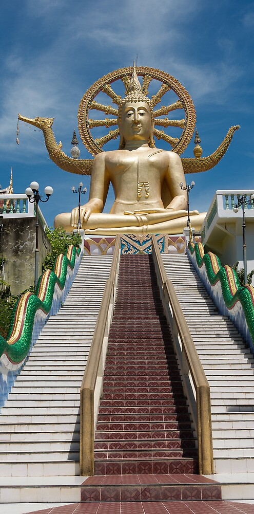 Guanyin - Wat Plai Laem  by Frank Moroni