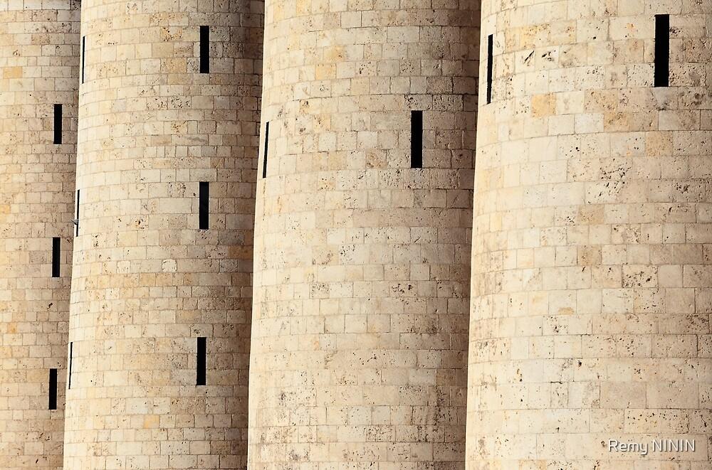 Palacio de la Aljafería, Zaragoza, Spain. by Remy NININ