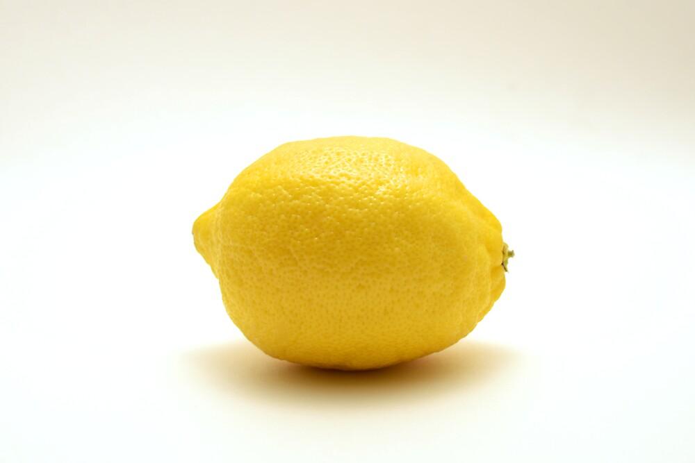 Lemon by ChiantiImages
