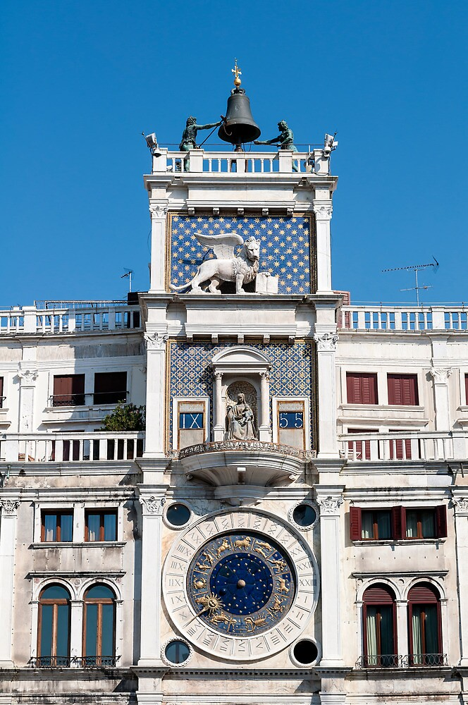 Clock tower building, Venice. by FER737NG