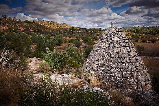 drystone shelter by jmprfoto