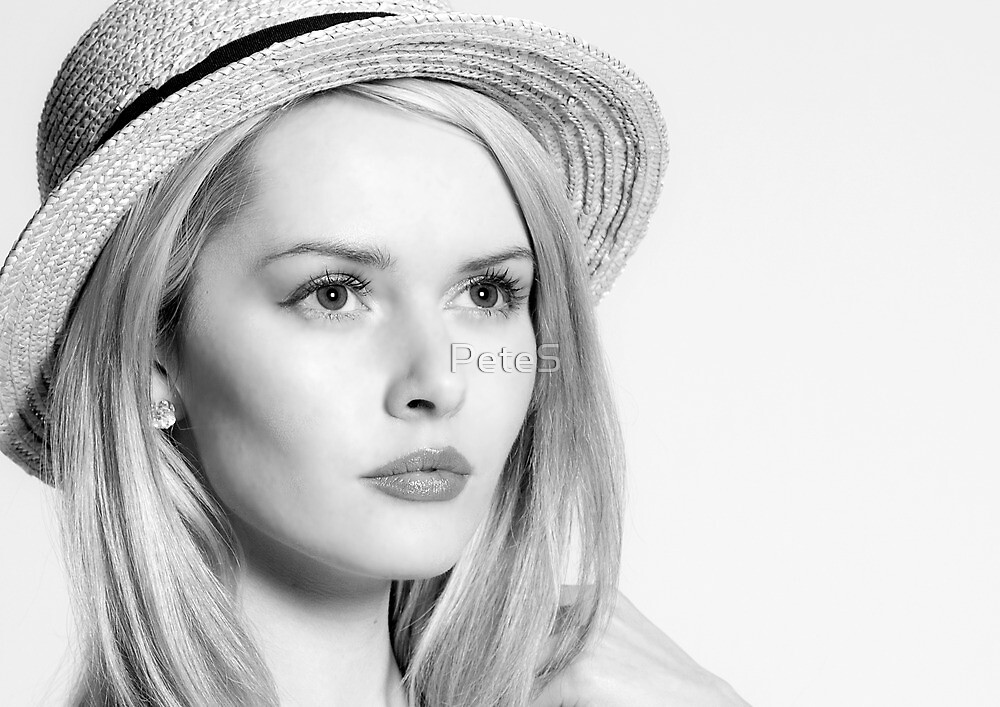 Girl in a straw hat by PeteS