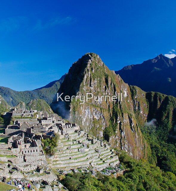 Machu Picchu by KerryPurnell