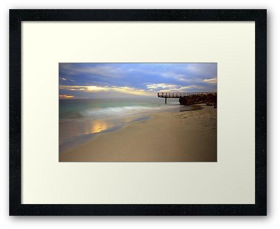 Trigg Beach. by Tinglis
