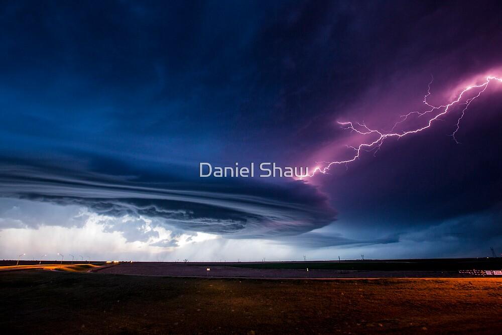 20140519_mothership_scottsbluff_nebraska_006.jpg by Daniel Shaw