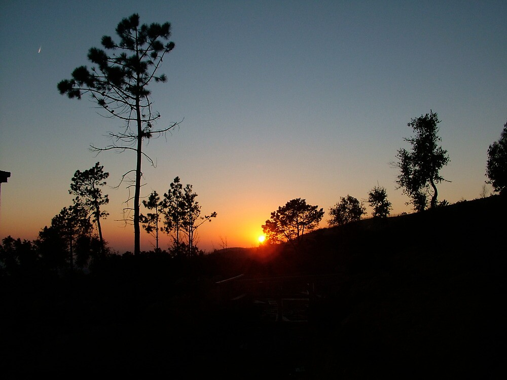 Sunset in Monchique, Portugal by morvfraser