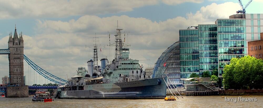 HMS Belfast  by larry flewers