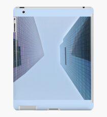 Vinilo o funda para iPad 4:37, Looking up at the city