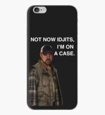 Vinilo o funda para iPhone Sobrenatural - Bobby Singer - Ahora no Idjits, estoy en un caso - Caja del teléfono
