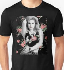 Kelly Bundy T-Shirt