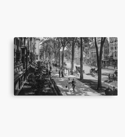 Broadway in Saratoga Springs, New York, ca 1915 (16:9 crop) Black & White version Canvas Print