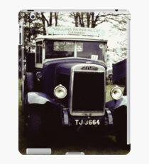 Leyland Beaver Classic Vehicle: Darwin TJ 3664 iPad Case/Skin