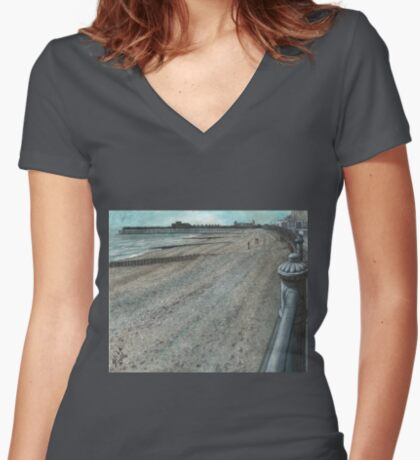 Currents Women's Fitted V-Neck T-Shirt