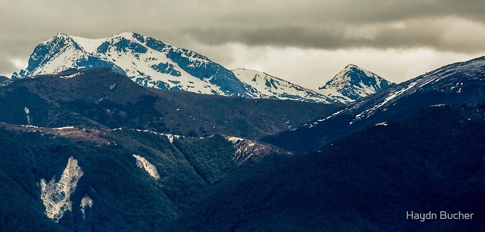 Mt Franklin  by Haydn Bucher