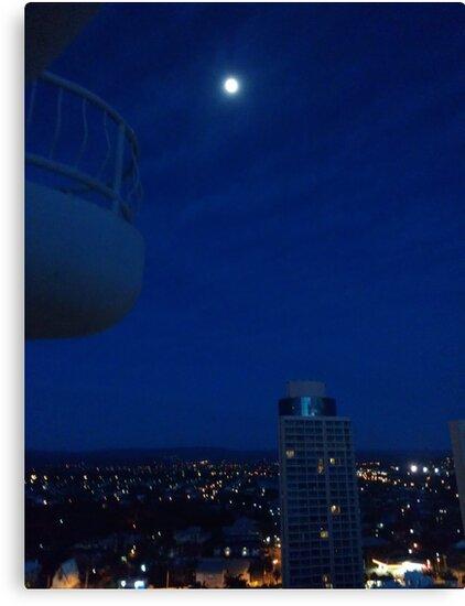 Highrise moon by IanJil