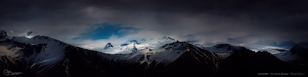 Frozen Silence | Iceland - The Black Beauty von EpicScapes