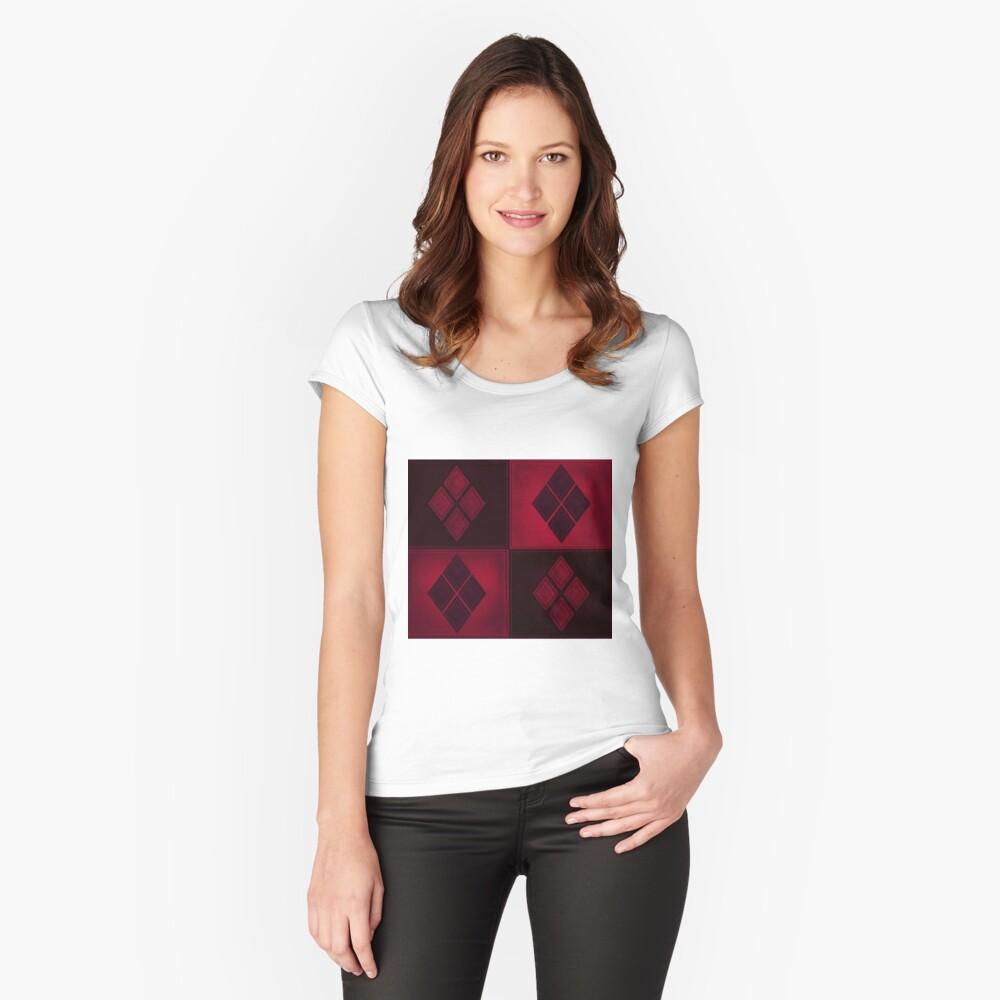 Patchwork Red & Black Leder Effekt Motley mit Diamant Patches 3 Tailliertes Rundhals-Shirt