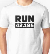 Run 42 kilometer marathon Unisex T-Shirt