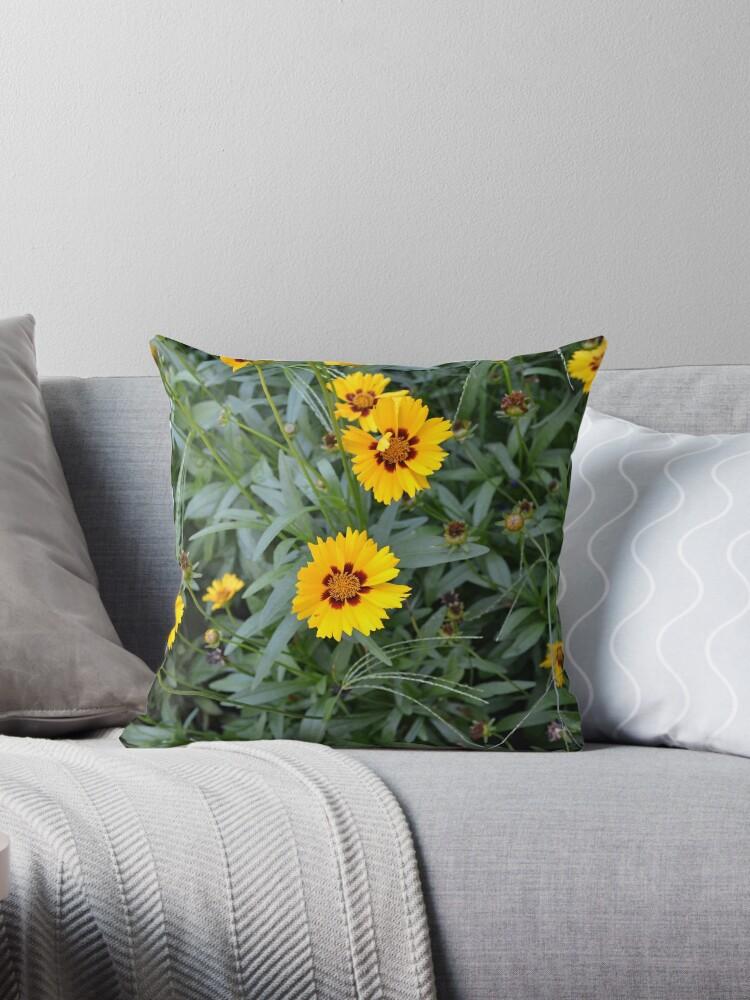 Yellow wild flowers by dutchstranger
