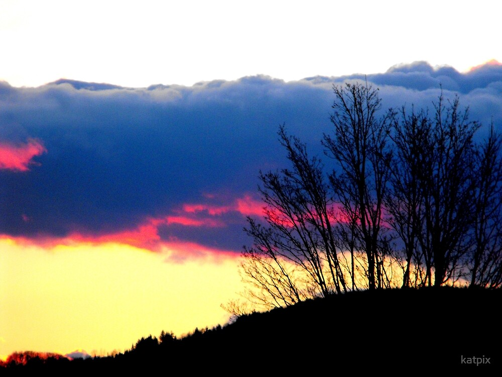 Sun Setting Behind the Hill by katpix