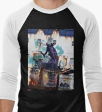 Graffiti, Rust and inherent beauty Men's Baseball ¾ T-Shirt