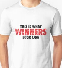 This is what Winners look like (Black Red Used Look) T-Shirt
