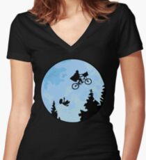 E.T. The Extraterrestrial Falling Women's Fitted V-Neck T-Shirt