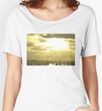 sun & boats Women's Relaxed Fit T-Shirt