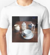 Time for tea Unisex T-Shirt