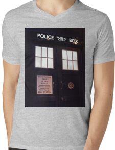 Travel in time through the TARDIS Doors.... Mens V-Neck T-Shirt