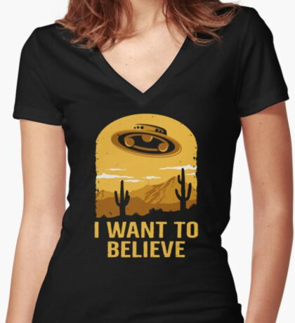 Believe In UFOs Women's Fitted V-Neck T-Shirt