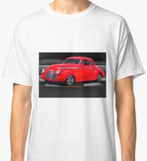 1941 Chevrolet 'Winners Circle' Coupe Classic T-Shirt