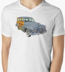 1948 Pontiac Silver Streak Woody Antique Car Men's V-Neck T-Shirt