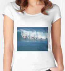 Waimea Bay Crowd Women's Fitted Scoop T-Shirt