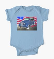 1936 Ford Phaeton Convertible With American Flag  Kids Clothes