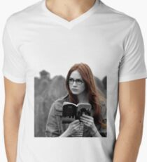 Amy Pond Men's V-Neck T-Shirt