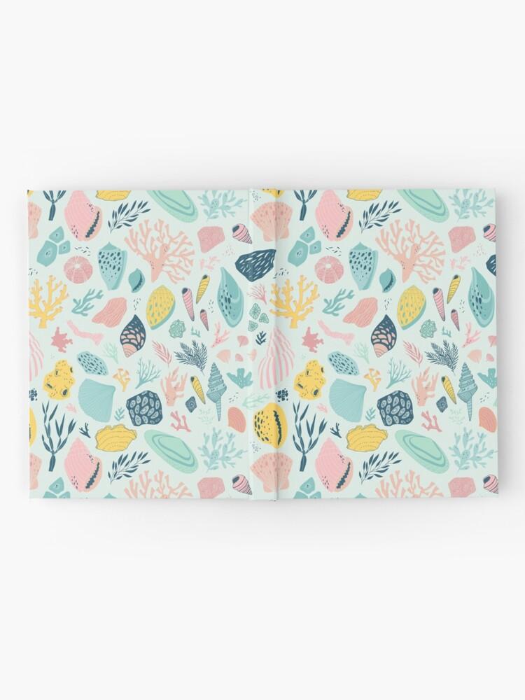 Vista alternativa de Cuaderno de tapa dura Colorido patrón feliz para los amantes del mar!