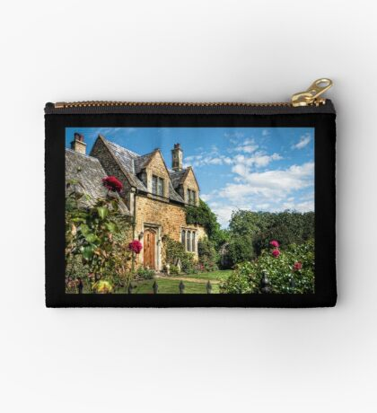 Country Cottage HDR art Zipper Pouch