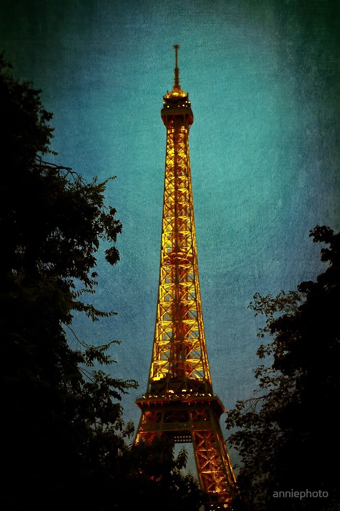 Tour Eiffel at Night by A Barnes