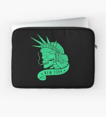 New York - Statue of Libery Skull (no background) Laptop Sleeve