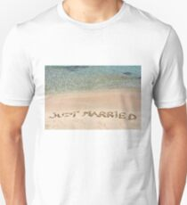 Just Married written in sand on a beautiful beach Unisex T-Shirt